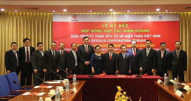 Từ bà chủ thương hiệu xe máy Hoa Lâm - Kymco đến đại gia tài chính, bất động sản, y tế, lọt top 50 phụ nữ ảnh hưởng nhất Việt Nam - Ảnh 2.
