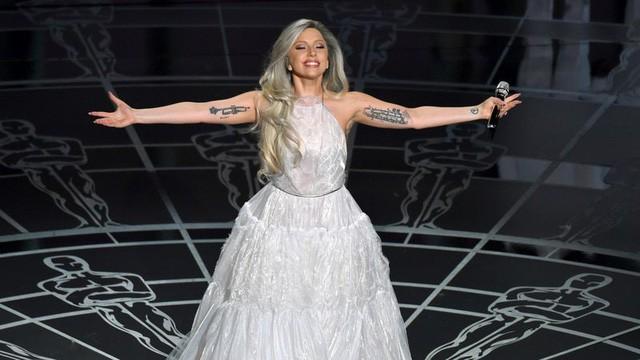 8/3 học tinh thần của Lady Gaga: Nếu không biết nên chọn đàn ông hay sự nghiệp, hãy nhớ rằng sự nghiệp sẽ chẳng bao giờ 'thức dậy' và nói rằng không còn yêu bạn nữa! - Ảnh 4.