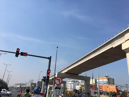 TP HCM gửi công văn khẩn đến Thủ tướng để xin giải vây cho metro số 1 - Ảnh 1.