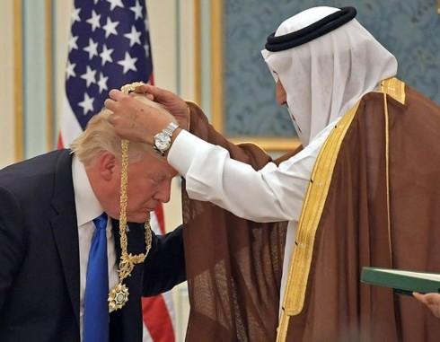 Tiết lộ những món quà bất ngờ các nhà lãnh đạo thế giới tặng ông Trump - Ảnh 1.