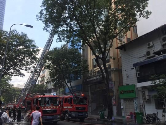Cháy tại toà nhà ở trung tâm TP HCM  - Ảnh 2.