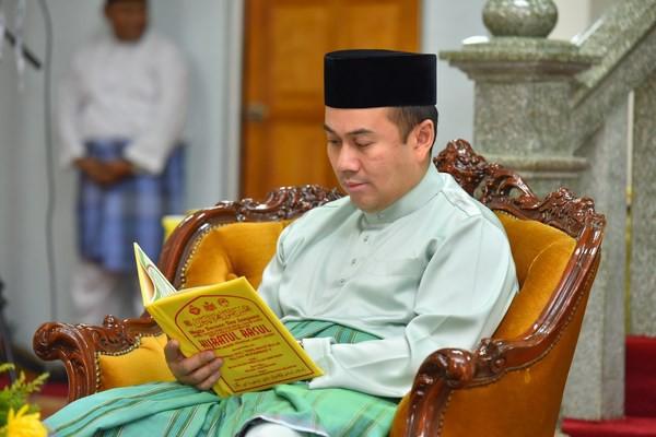 Chân dung vợ sắp cưới của Thái tử Malaysia: Nàng dâu nước ngoài không chuẩn mực nhưng sở hữu đặc điểm có thể thu phục bất cứ cha mẹ chồng khó tính nào - Ảnh 2.