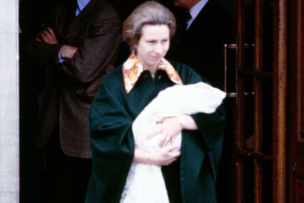 Cung điện hoàng gia chính thức xác nhận: Meghan phá vỡ truyền thống hơn 40 năm, quyết định từ bỏ điều này ngay sau khi sinh con đầu lòng - Ảnh 1.