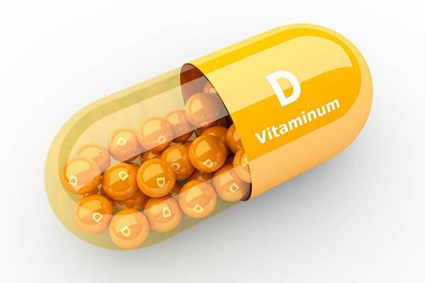 Người đàn ông bị hỏng thận do lạm dụng vitamin D, chuyên gia nói gì về việc dùng thức uống bổ sung này? - Ảnh 1.