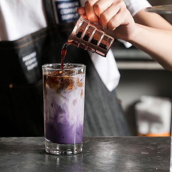 Nữ doanh nhân mở quán cà phê độc, lạ Việt Nam ở New York  - Ảnh 3.