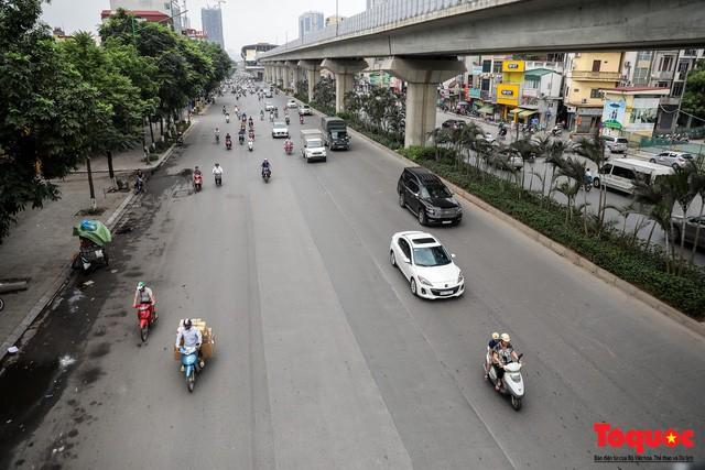 Giao thông Hà Nội giảm nhiệt ngày đầu tiên của kỳ nghỉ lễ Giỗ tổ Hùng Vương - Ảnh 7.