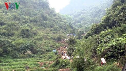 Ùn ứ nông sản không thuộc danh mục xuất khẩu chính ngạch tại Lạng Sơn - Ảnh 1.