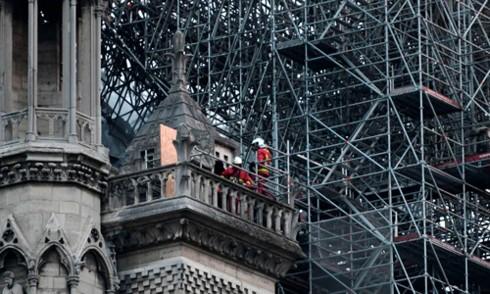 Pháp đẩy nhanh điều tra nguyên nhân cháy Nhà thờ Đức Bà Paris - Ảnh 1.