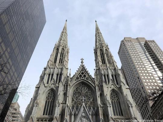 Mỹ: Bắt người đàn ông mang xăng và hộp quẹt vào nhà thờ - Ảnh 1.