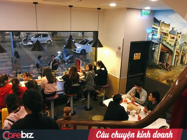 Vì sao McDonald's phải mất 2 năm mới mở cửa hàng thứ 2 tại Hà Nội? - Ảnh 1.
