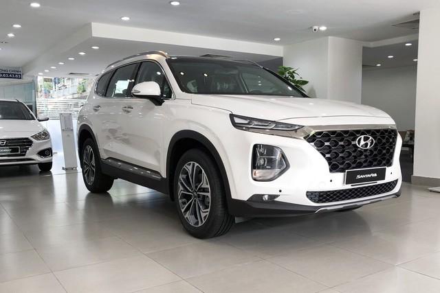 Qua cơn sốt, Ford Explorer hết 'lạc', giảm giá mạnh, Hyundai Santa Fe trước cơ hội về giá đề xuất - Ảnh 2.