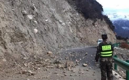 Động đất 6,3 độ làm rung chuyển Tây Tạng, Trung Quốc - Ảnh 1.