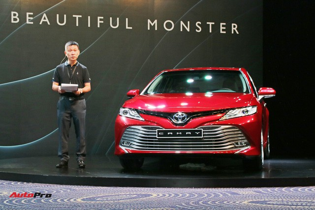 Toyota Camry nhập Thái Lan giá rẻ nhưng 'lạc' hàng chục triệu đồng tại đại lý mới đáng quan tâm - Ảnh 3.