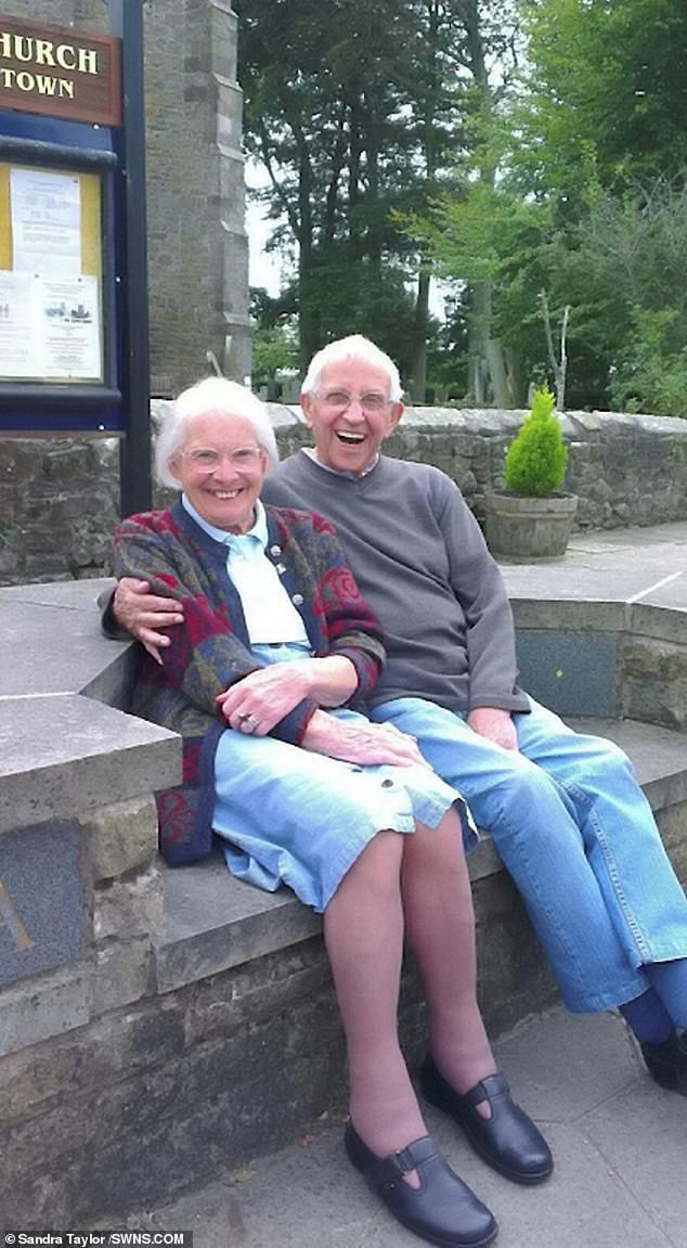 Chuyện tình 75 năm của đôi vợ chồng bách niên giai lão khiến nhiều người suy ngẫm, hóa ra bí quyết hôn nhân viên mãn lại đơn giản đến thế - Ảnh 4.