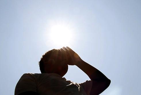 Những ngày nắng nóng, cơ thể bạn sẽ gặp phải vấn đề gì? - Ảnh 2.