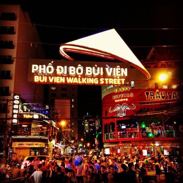 Ngại đi xa ngày lễ, hãy tận hưởng buổi tối Sài Gòn tại những điểm đến siêu hot này! - Ảnh 3.