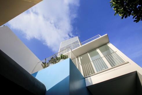 Nhà kết hợp giữa kiến trúc hiện đại với vật liệu truyền thống - Ảnh 14.
