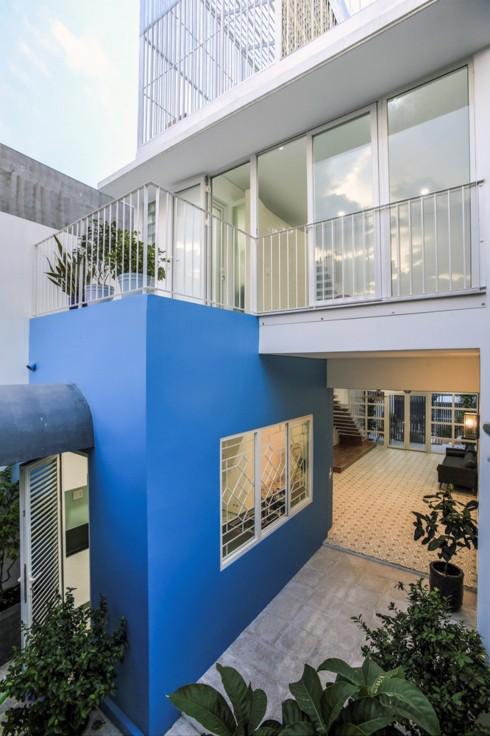 Nhà kết hợp giữa kiến trúc hiện đại với vật liệu truyền thống - Ảnh 3.