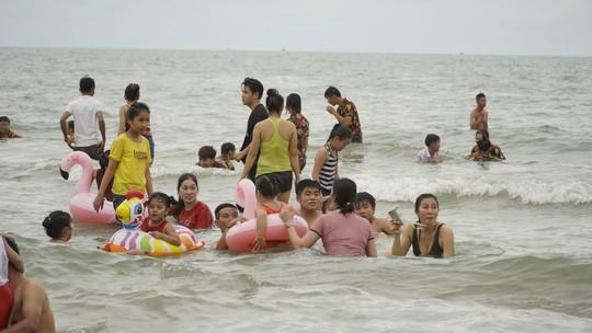 Chen nhau xuống biển Vũng Tàu  - Ảnh 5.