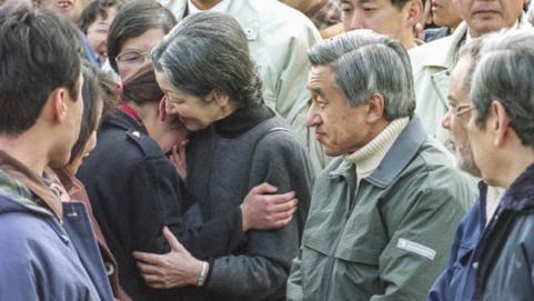 Những khoảnh khắc đáng nhớ của Nhật hoàng Akihito và hoàng hậu Michiko trước thời điểm chuyển giao lịch sử - Ảnh 3.