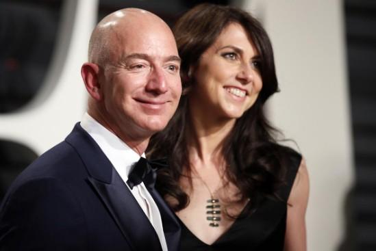 Vợ ông chủ Amazon sẽ nhận 35,6 tỷ USD sau ly hôn - Ảnh 1.