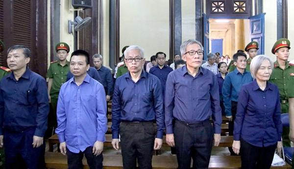 Các bị cáo Phan Văn Anh Vũ, Trần Phương Bình sắp hầu tòa phúc thẩm  - Ảnh 1.