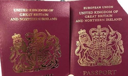 Anh xóa chữ Liên minh châu Âu trên bìa hộ chiếu - Ảnh 1.