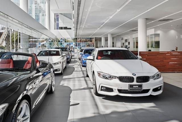 THACO chọn cách giảm giá xe BMW khác biệt, đến cả trăm triệu, âm thầm nâng sức cạnh tranh trước Mercedes-Benz - Ảnh 1.