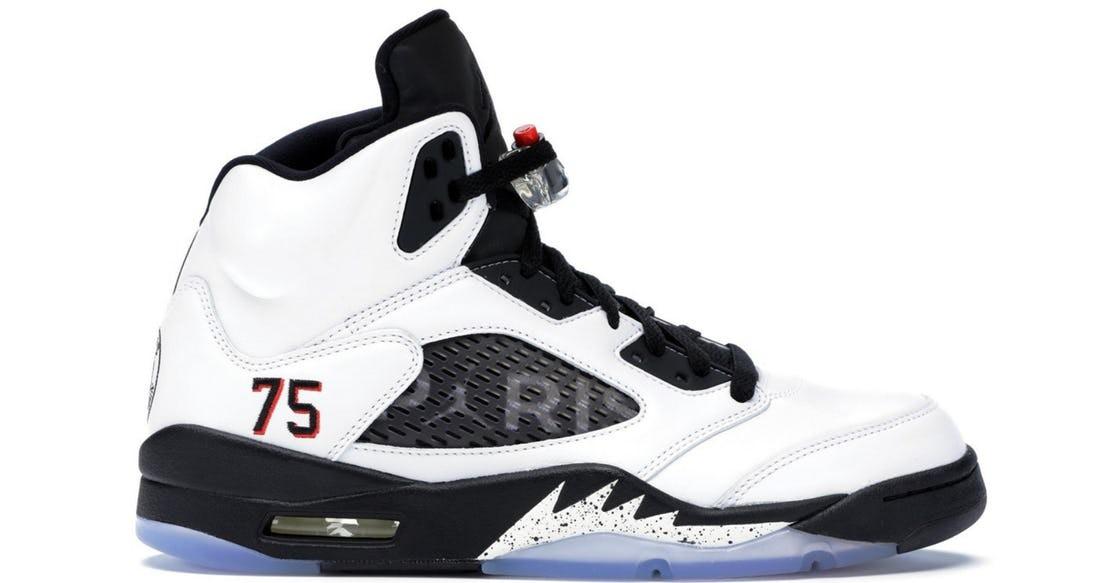 10 mẫu sneaker giá khủng đang được