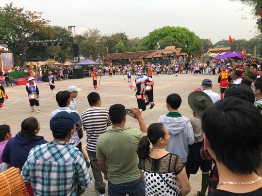 Thừa Thiên- Huế: Khách sạn cháy phòng, nhà nghỉ tăng giá - Ảnh 1.