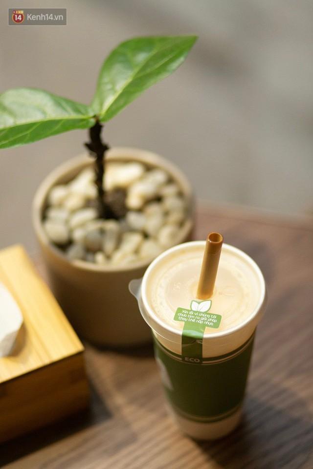 Dùng cốc giấy nhưng đậy bằng nắp nhựa, quán trà Hà Nội vẫn chiếm cảm tình khách hàng vì lời nhắn: Xin lỗi vì chúng tôi chưa tìm ra giải pháp... - Ảnh 2.