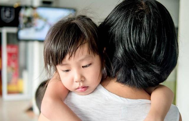 Chuyên gia nhi khoa cảnh báo: Trẻ xuất hiện 4 biểu hiện này chứng tỏ lớn lên EQ thấp, sau 6 tuổi khó sửa đổi - Ảnh 1.