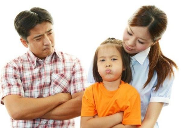 Chuyên gia nhi khoa cảnh báo: Trẻ xuất hiện 4 biểu hiện này chứng tỏ lớn lên EQ thấp, sau 6 tuổi khó sửa đổi - Ảnh 3.
