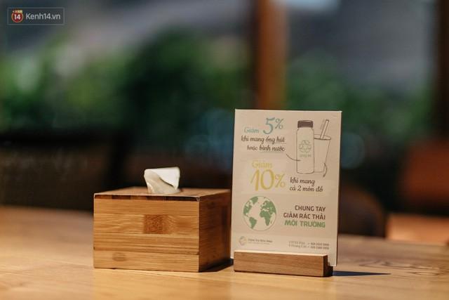 Dùng cốc giấy nhưng đậy bằng nắp nhựa, quán trà Hà Nội vẫn chiếm cảm tình khách hàng vì lời nhắn: Xin lỗi vì chúng tôi chưa tìm ra giải pháp... - Ảnh 4.