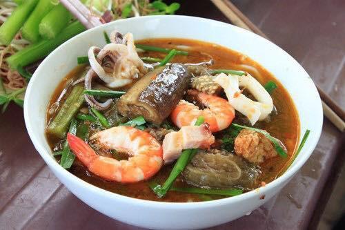 Giữa tình hình giá xăng điện tăng cao, 1 quán bún mắm ở Sài Gòn đăng thông báo xin bớt 1 con tôm trong tô bún để giữ nguyên giá gây xôn xao - Ảnh 2.