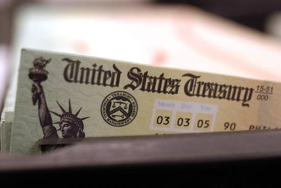 Con át chủ bài trong tay Trung Quốc có thể làm Mỹ điêu đứng: Bán tháo trái phiếu kho bạc Mỹ - Ảnh 1.
