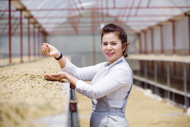 Bà Lê Hoàng Diệp Thảo: Sẽ tiếp tục hành trình cứu ông Vũ và thương hiệu cà phê Trung Nguyên - Ảnh 1.