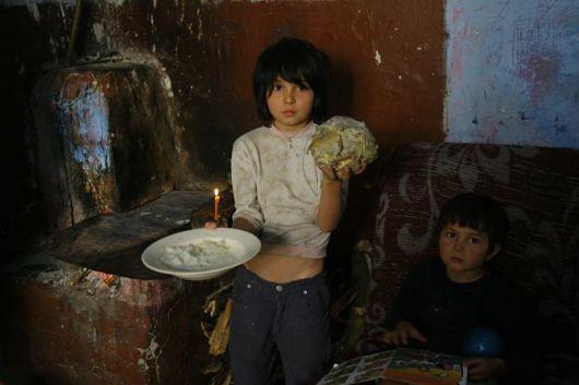 Bạn tưởng người dân Bắc Âu sung sướng ư? Họ đang phải sống trong đói nghèo, tự kỷ và sưu cao thuế nặng đấy! - Ảnh 1.