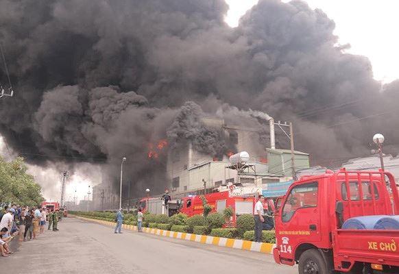 Vụ cháy tại khu công nghiệp Việt Hương gây thiệt hại 30 tỷ đồng - Ảnh 1.
