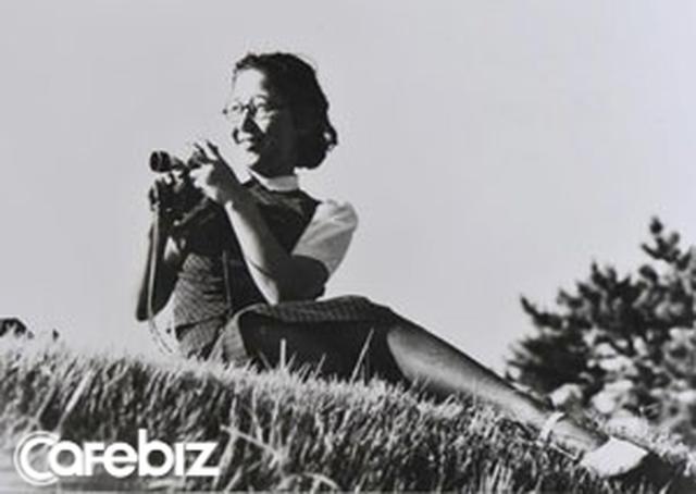 Cuộc đời rộn rã của phóng viên Tsuneko Sasamoto: 71 tuổi vẫn chăm chỉ làm việc, 86 tuổi miệt mài yêu đương, 102 tuổi gặt hái vinh quang vô tiền khoáng hậu - Ảnh 3.