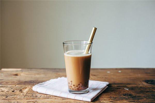 Cô gái trẻ bị đột quỵ mắt, tiểu đường kèm máu nhiễm mỡ do uống 2 ly trà sữa mỗi ngày: Bài học cảnh tỉnh cho tín đồ mê trà sữa - Ảnh 4.