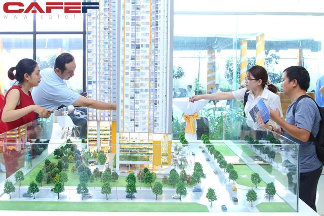 Giải bài toán nguồn cung căn hộ mới đang khan hiếm trên thị trường địa ốc TP.HCM - Ảnh 2.