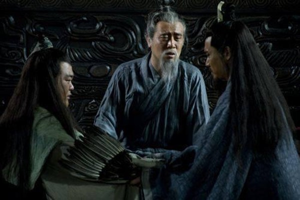 Màn khổ nhục kế trong nước cờ cuối đời của Lưu Bị: Vì đã nhìn thấu dã tâm Khổng Minh? - Ảnh 1.