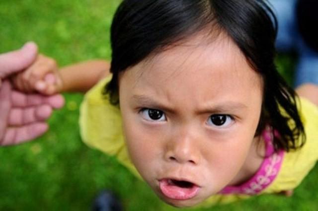 10 dấu hiệu cảnh báo ở con cái cho thấy cách giáo dục của cha mẹ đang có vấn đề, hãy nhìn nhận lại ngay trước khi quá muộn - Ảnh 1.