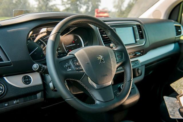 Xuất xưởng Peugeot Traveller lắp ráp Việt Nam giá gần 1,7 tỷ đồng: Tham vọng mới của THACO - Ảnh 9.