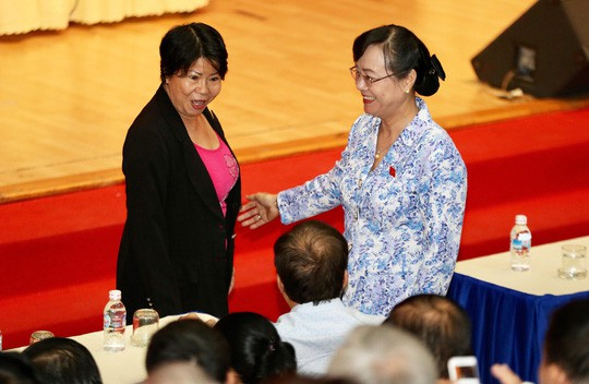Nguyên Chủ tịch HĐND TP HCM Nguyễn Thị Quyết Tâm tiếp xúc cử tri quận 2 - Ảnh 2.