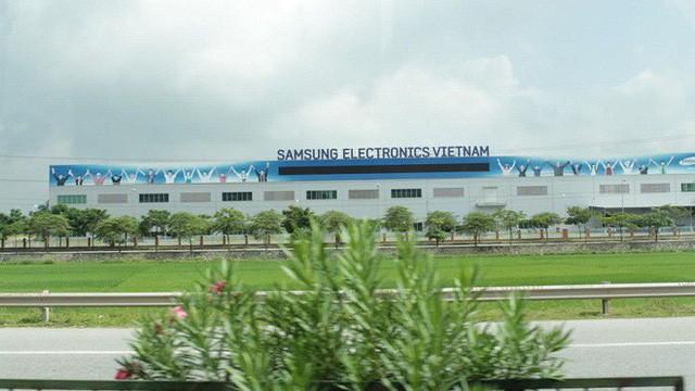 Dây chuyền sản xuất smartphone của Hàn Quốc đang lụi tàn khi LG và Samsung chuyển sang Việt Nam làm điện thoại - Ảnh 2.
