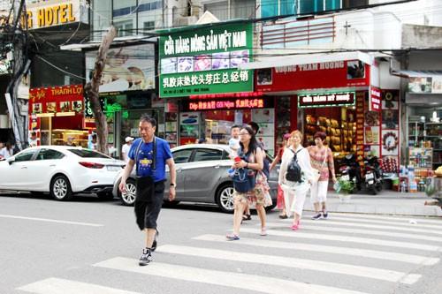 Du khách Trung Quốc sụt giảm bất thường - Ảnh 1.