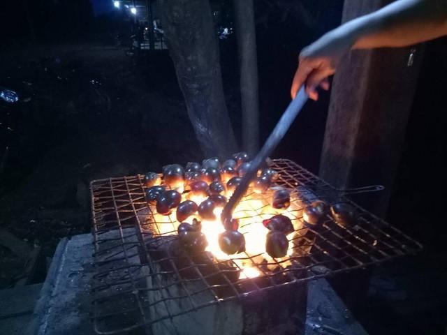 7 ngày đi phượt ở Lào: Ít nhất 2 lần bị công an hỏi thăm, đi rồi mới thấy cơm nhà ăn hằng ngày đáng quý biết chừng nào... - Ảnh 1.
