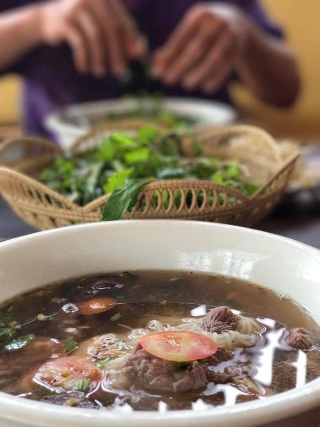 7 ngày đi phượt ở Lào: Ít nhất 2 lần bị công an hỏi thăm, đi rồi mới thấy cơm nhà ăn hằng ngày đáng quý biết chừng nào... - Ảnh 14.
